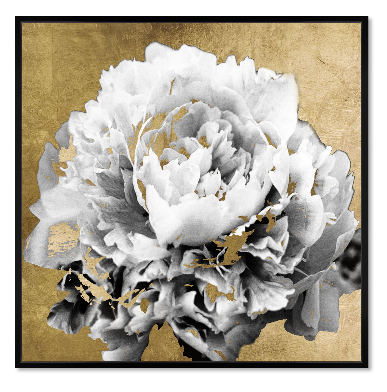 Oliver Gal Magnolia Scent