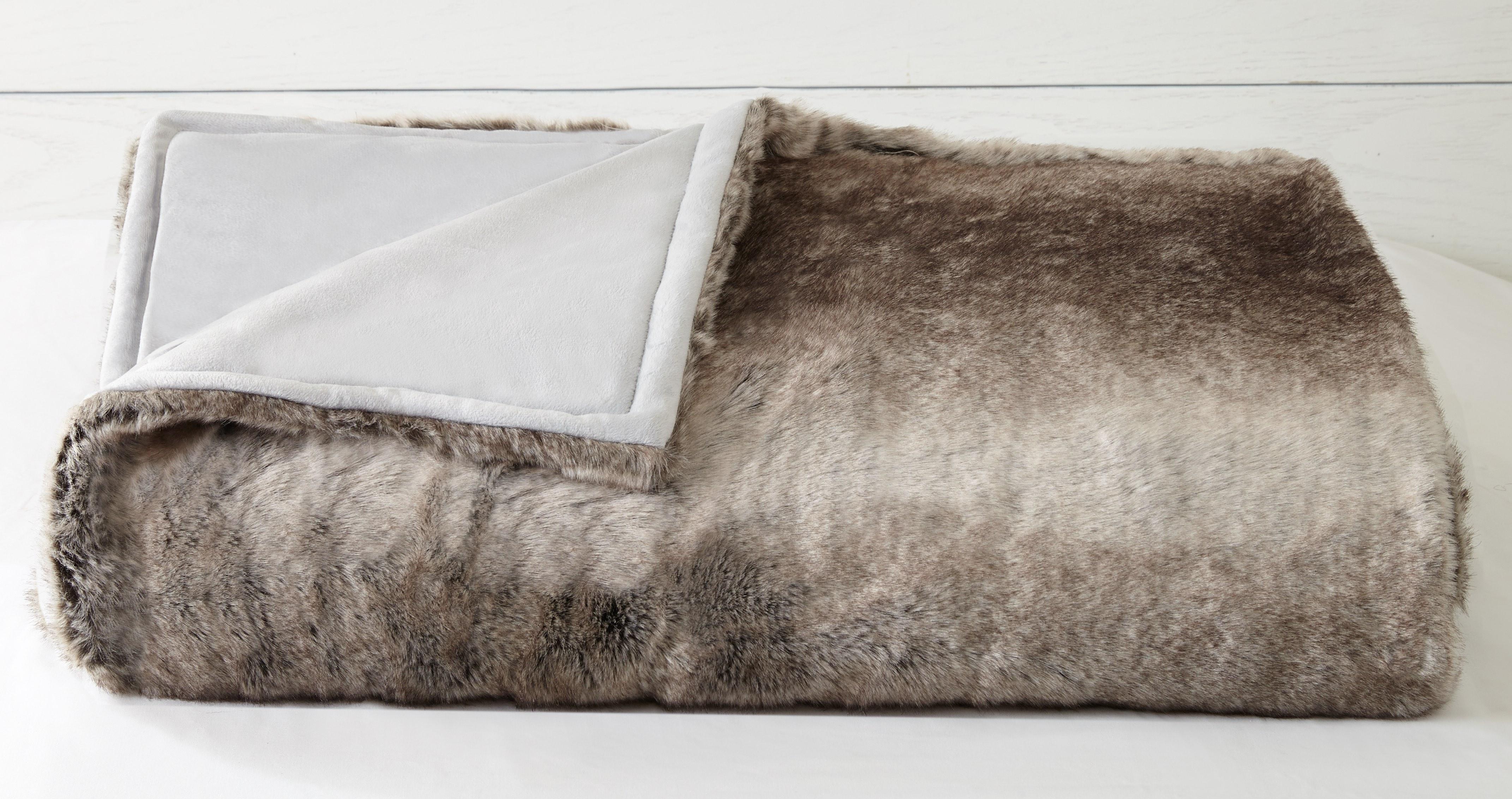 Peking-Handicraft-fur-throw