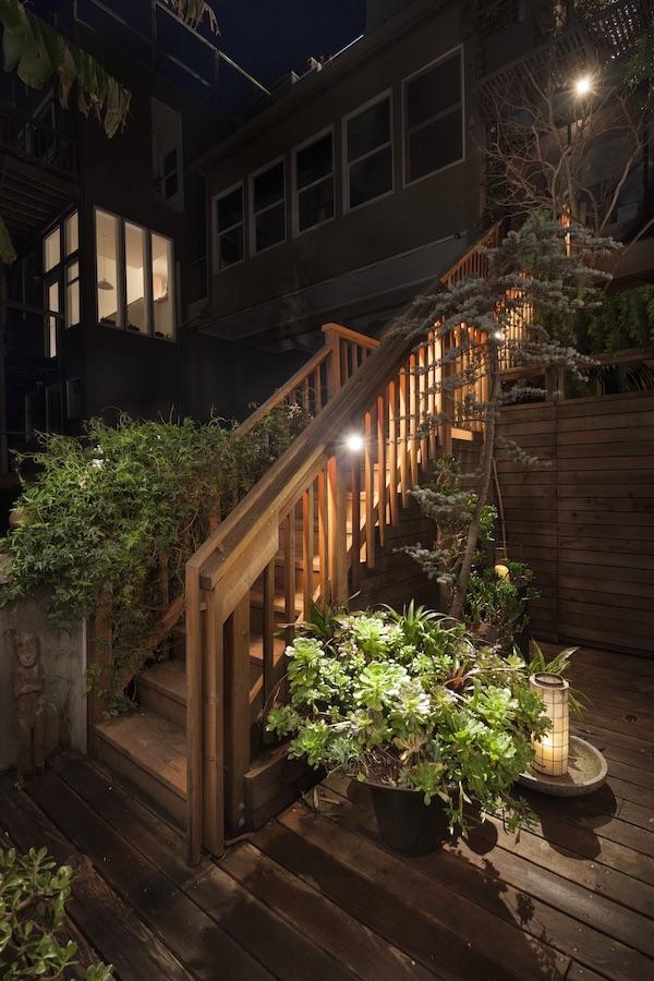 outdoor stairwell lighting