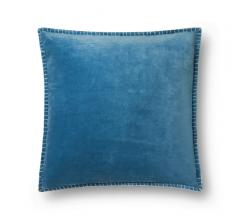 P0603 Pillow with a velvet fabric in Peacock from Loloi Rugs