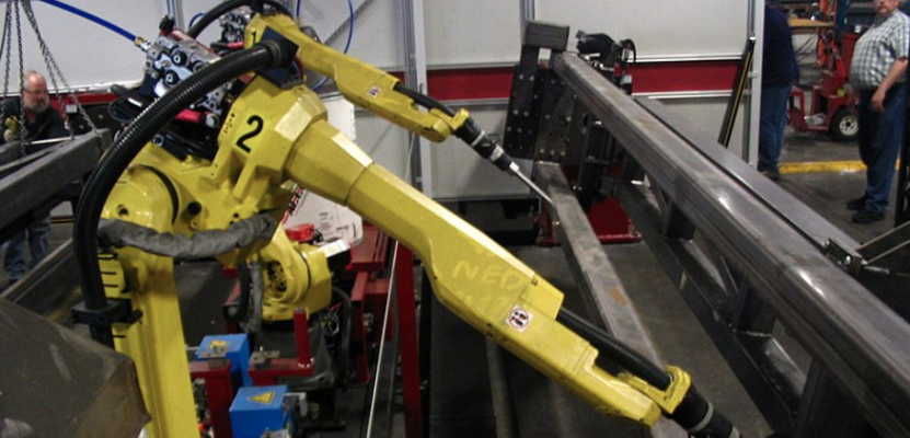 Welding robot at work_Creative Commons_CC by 3.0