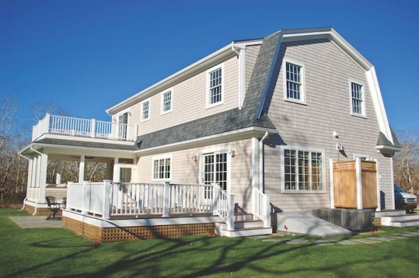Prefab home_modular construction_Gambrel-style modular Colonial home