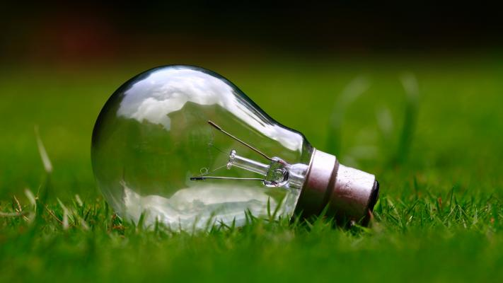 An simple incandescent light bulb is less complicated to use than new smart-home products