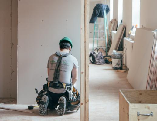 """According to the Federal Reserve, the """"gig economy"""" is the number one issue impacting worker safety in the U.S. This is especially true for contract workers in transportation and construction."""