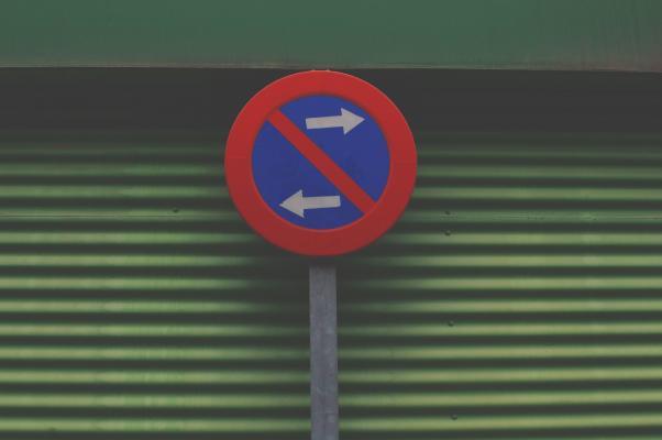 mixed signal traffic sign