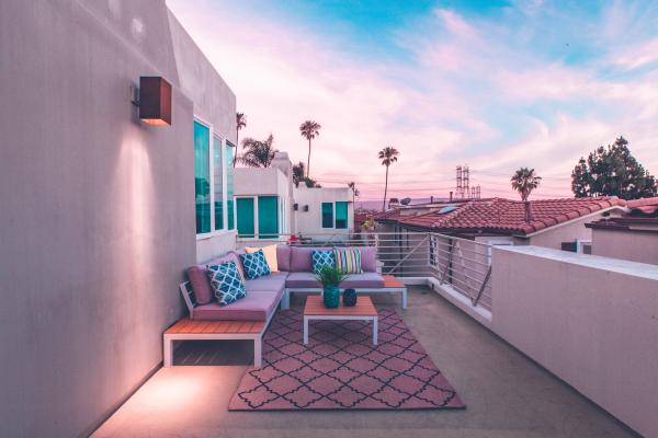 To create a successful outdoor living space, there are certain factors you need to keep in mind.