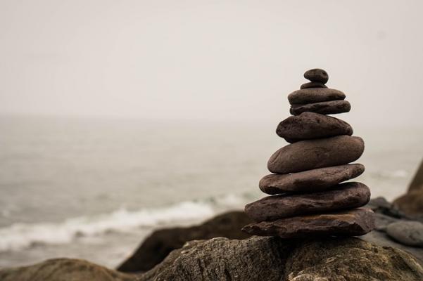 Stack_of_stones