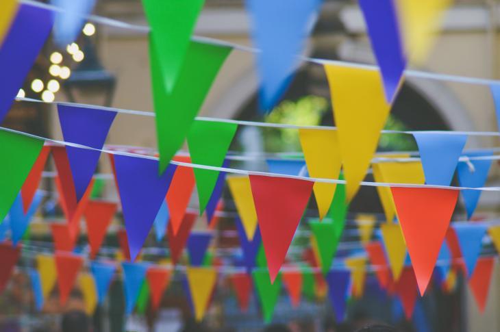 Celebratory party streamers