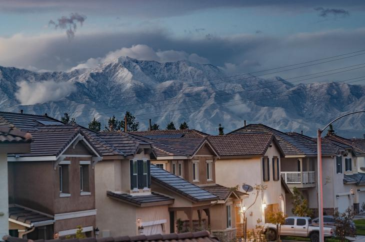For empty nesters and downsizers moving to the suburbs, asking these four questions will help buyers find the right place for their needs.