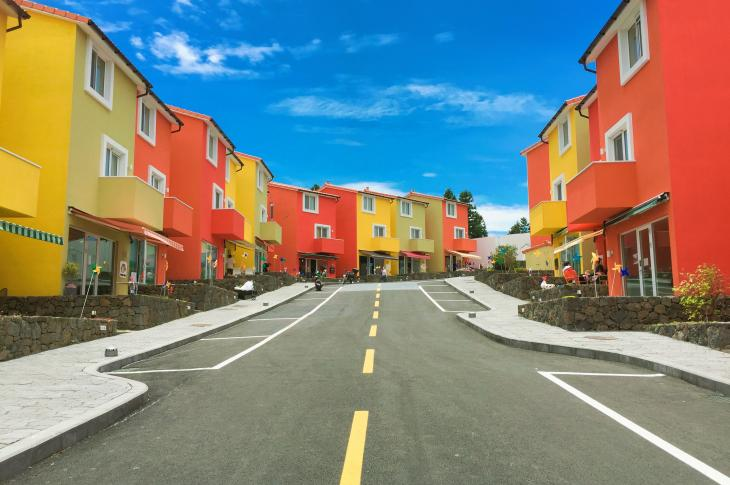 Red_and_yellow-houses