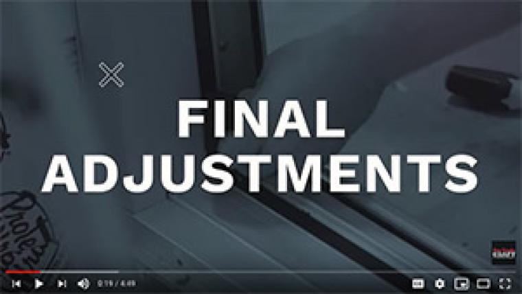 LaCantina-door-installation-final-adjustments-7.jpg
