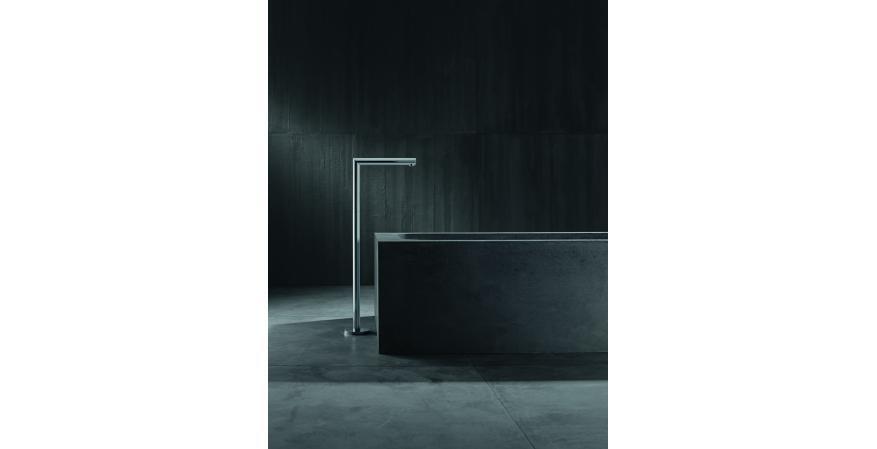 Axor Uno freestanding tub filler