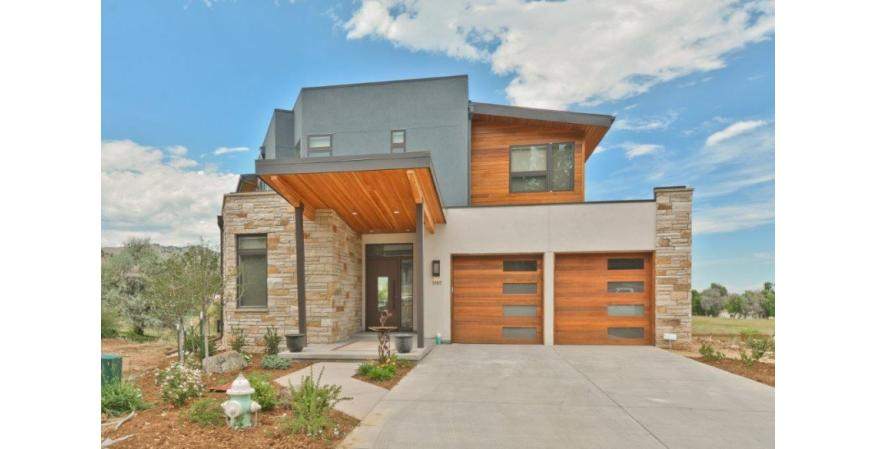 The Granary features contemporary homes that offer panoramic views of the Rocky Mountains. To maximize the vistas, Integrity windows and French doors were included in the plans. The windows and doors were the perfect choice to provide the fit, sleek styling and durable finishes the owners were looking for in this Colorado mountain neighborhood.