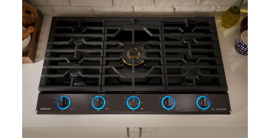 Samsung Chef Collection gas cooktop in matte black