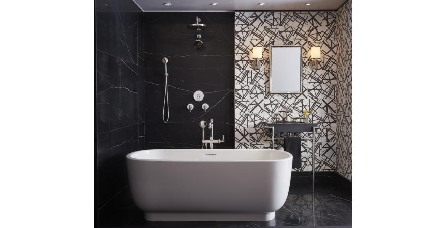 Laura Kirar tub