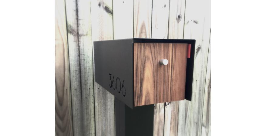 Waldo Fence contemporary mailbox