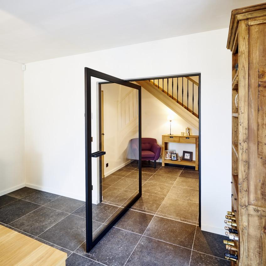 What is a pivot door? Picture of an Anyway door that pivots.