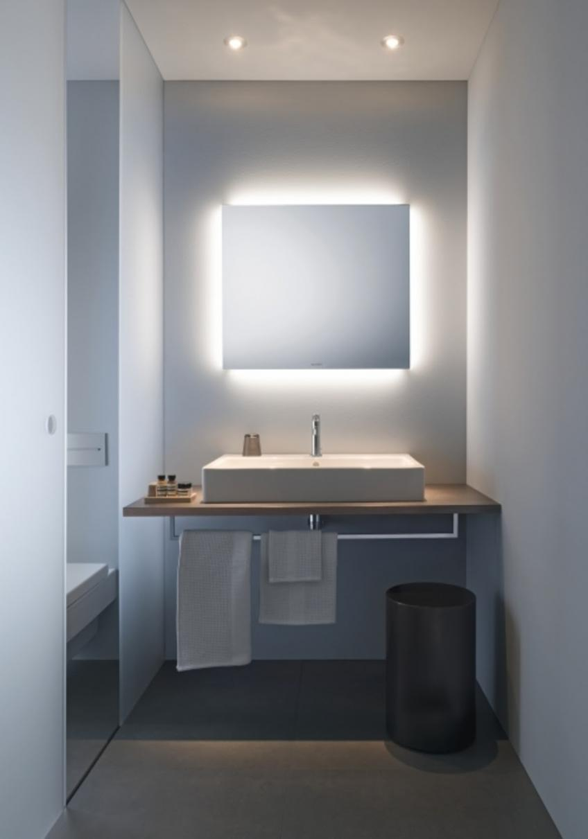Duravit has expanded its program of lighted mirrors with two new products, including a unit with indirect ambient light on all four sides and another with illumination on the right and left.