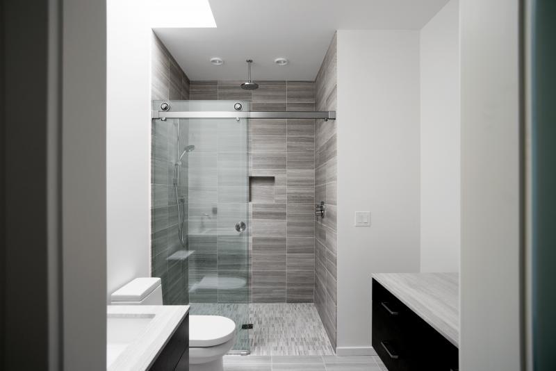 Krownlab rorik shower door