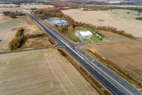 2015 project opened four travel lanes across MD 404