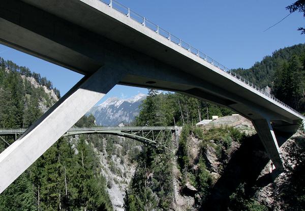 A modern, post-tensioned concrete bridge