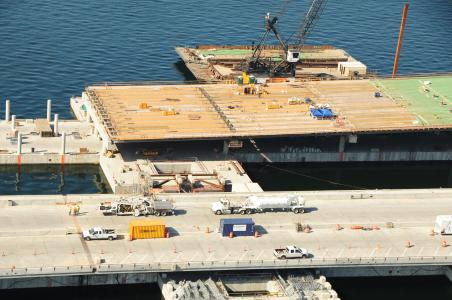 Single-blade spec applied to concrete surface saves costs on WSDOT floating bridge project