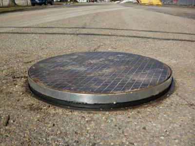 ET Simonds manhole riser