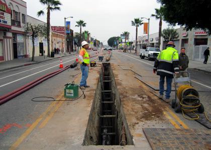 Pipe bursting creates minimal disruption to L A  streets