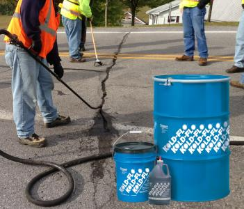 Asphalt crack sealer