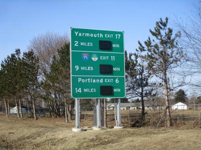 Maine DOT real-time traffic signage