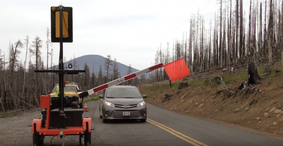 Oregon DOT auto flagger boosts work-zone safety