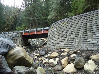 Redi-Rock reinforced solution