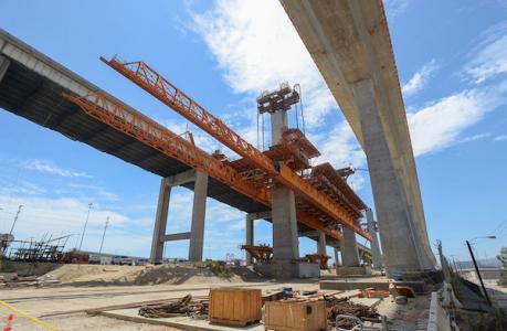 Scaffolding system at new Desmond Bridge in Long Beach