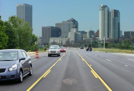 Adjustable risers improve paving in Milwaukee