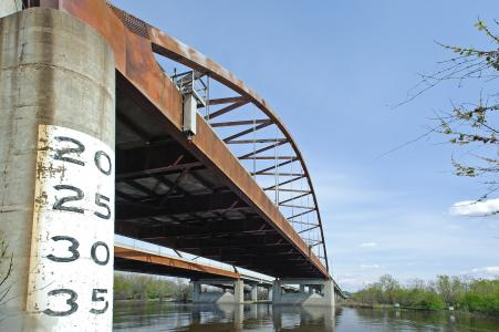 MnDOT test-deploys a continuous-monitoring system to see what a bridge has to say