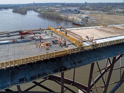 High Bridge arch span deck finishing
