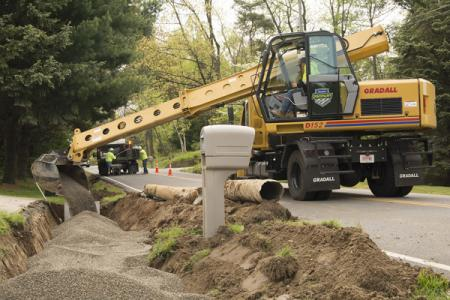 Gradall's Discovery Series crossover excavators