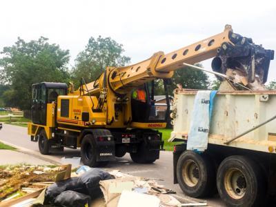 Emergency cleanup team in Texas puts excavators to work