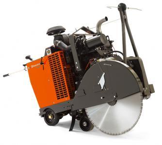FS8400 D 3-speed gearbox flat saw