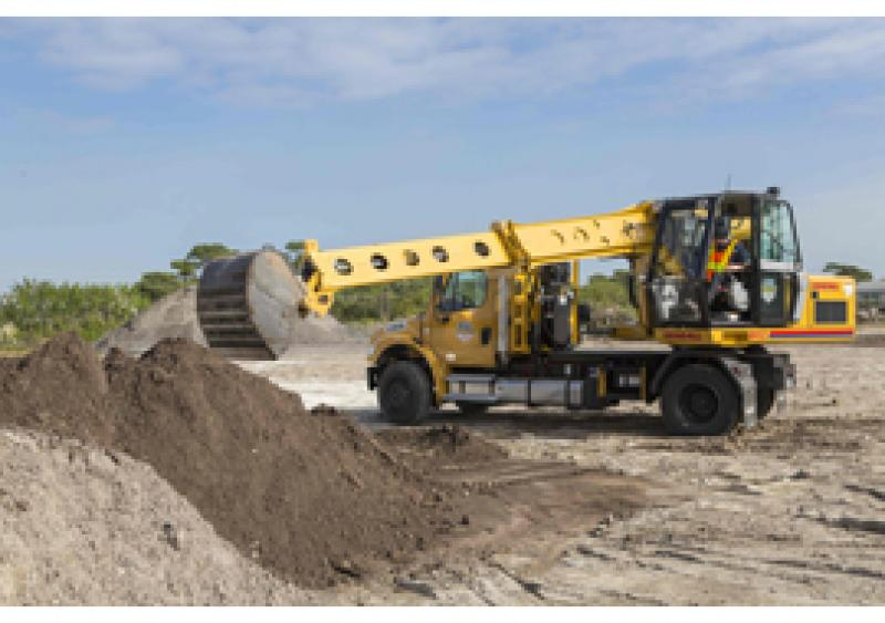 Gradall Discovery Series crossover hydraulic excavators