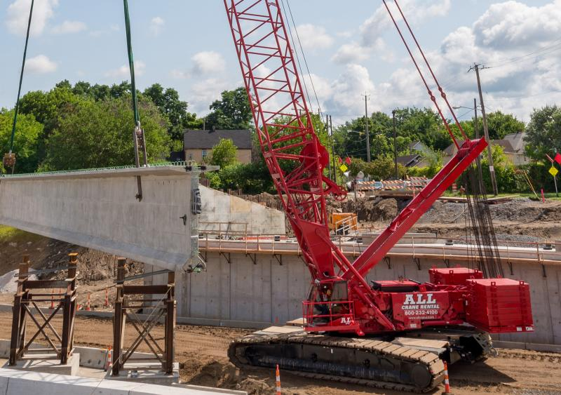 I-77 Broadway Avenue bridge crawler crane