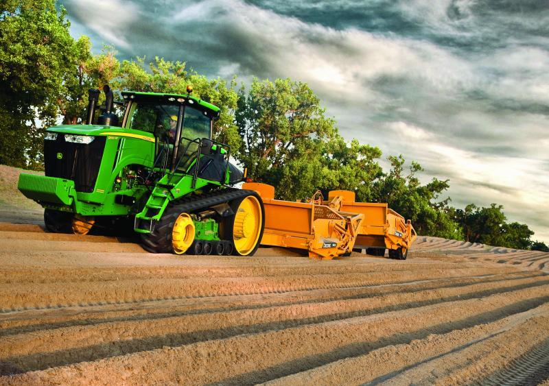 John Deere 9RT Scraper Special Series Tractor