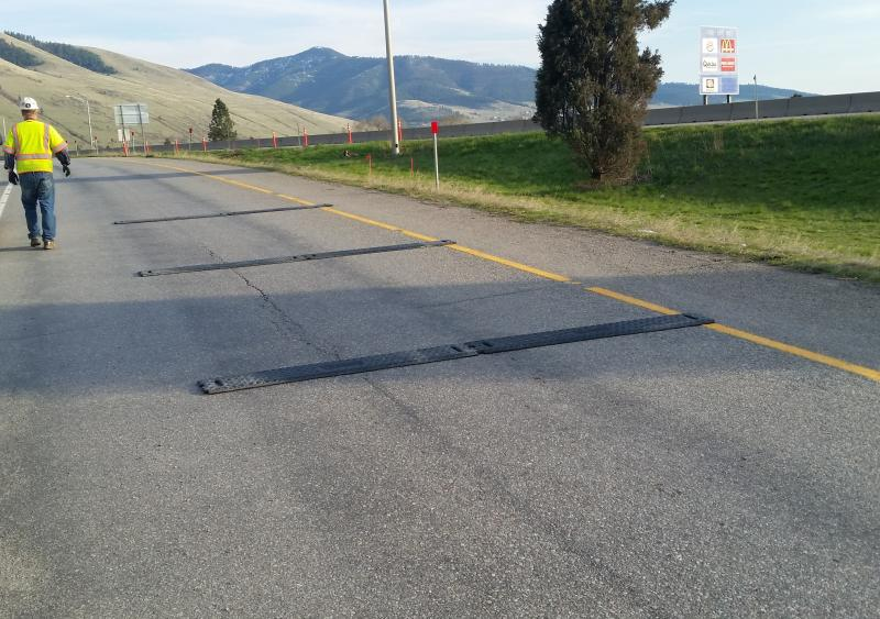 A three-strip, RoadQuake 2F TPRS array on an exit ramp