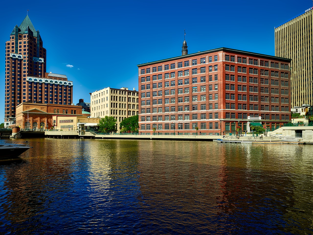 Milwaukee flood control project protects riverbed