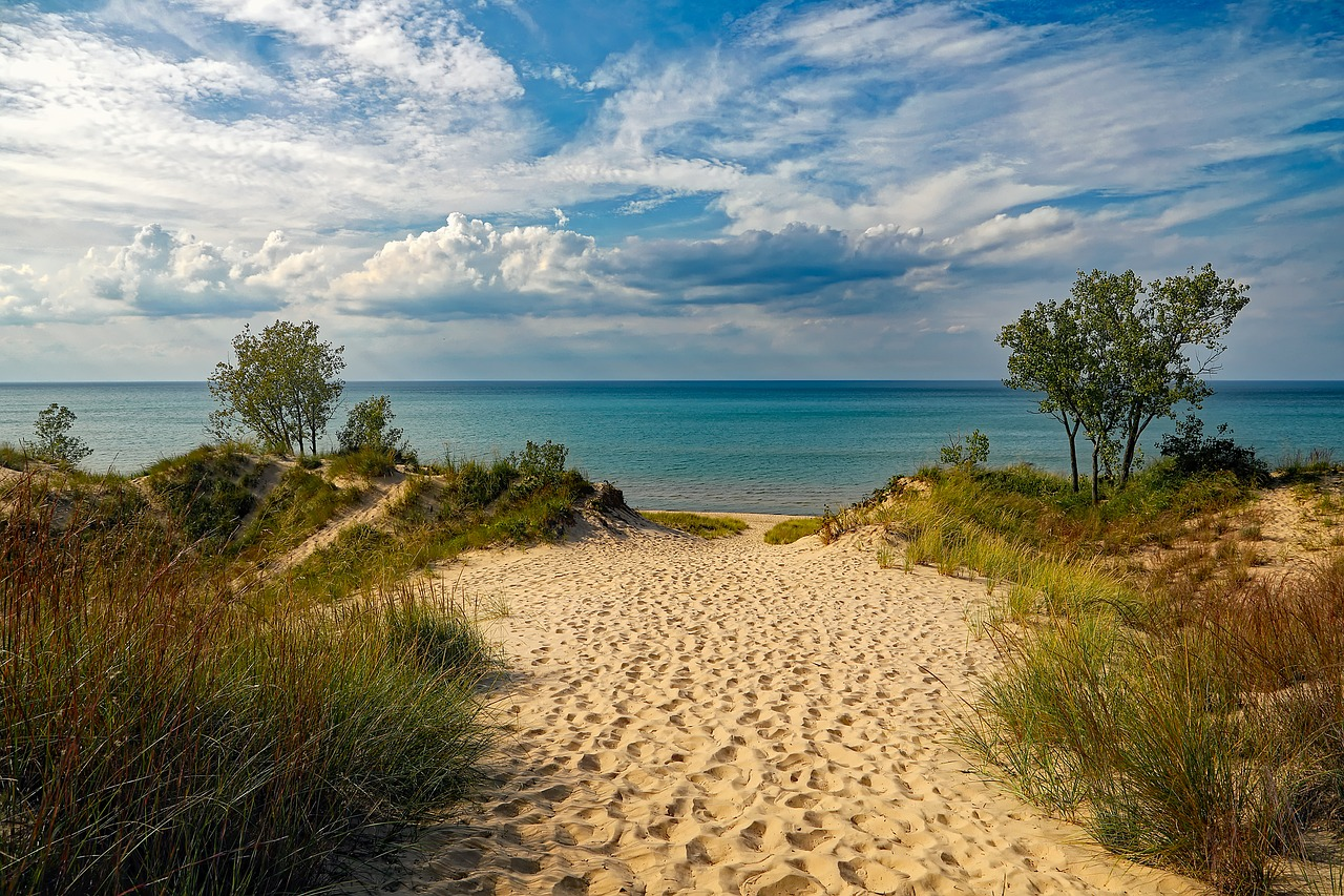 Indiana lakeshore beach seeks erosion control funds