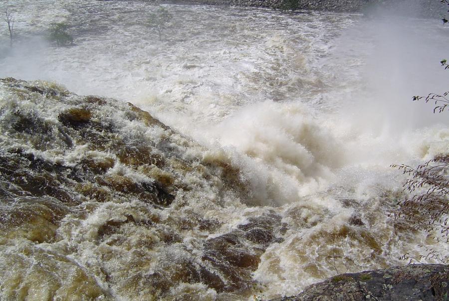 Texas floods trigger bridge collapse