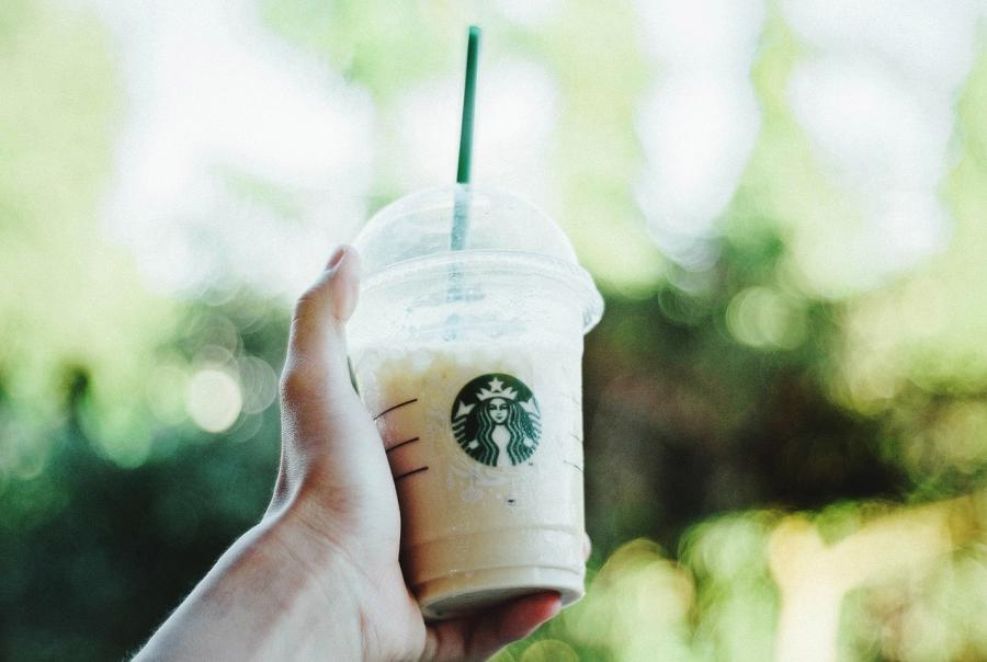 Starbucks moves to eliminate plastic straws from stores