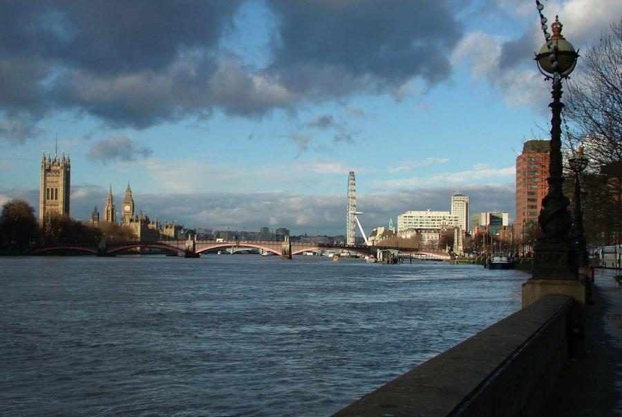 river thames, ch2m, asset management, program, flood risk, control