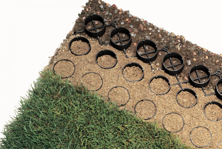 Porous Gravel System Combines Aesthetics With Storm Water Management