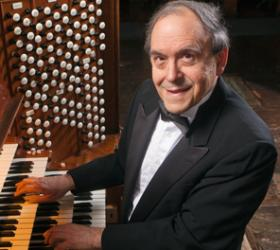 Thomas Murray at the Newberry Memorial Organ in Woolsey Hall (photo credit: Robert A. Lisak)